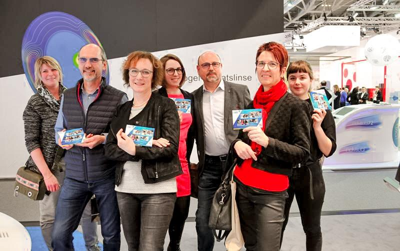 Messestand attraktiv machen Image Marketing Aktion Alcon