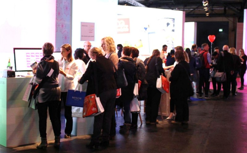 Besuchermarketing an Messestand