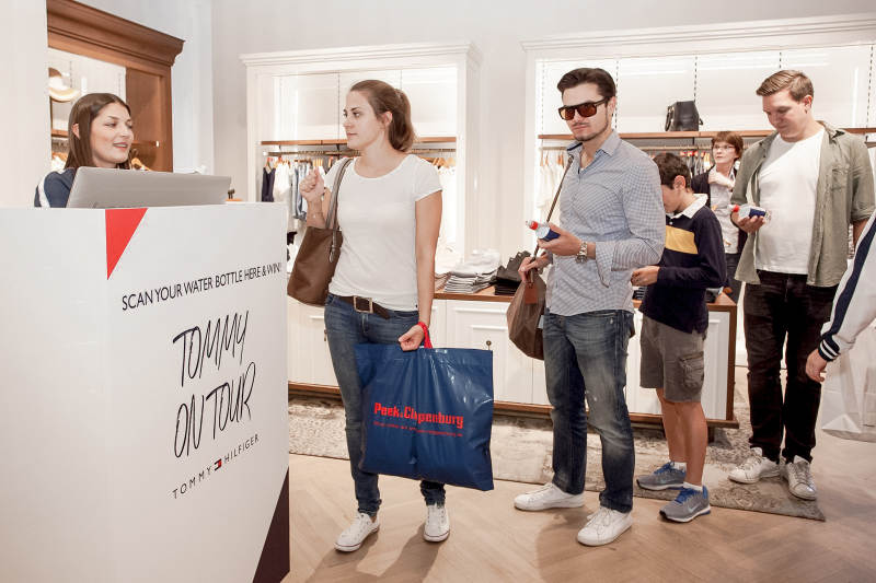 Tommy Hilfiger Scan And Win Pos Aktion